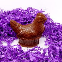 mother hen chocolate sculpture